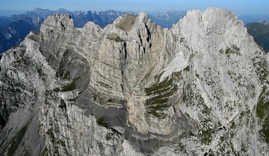 Валензее - озеро в Швейцарии