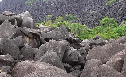 черная гора в Австралии